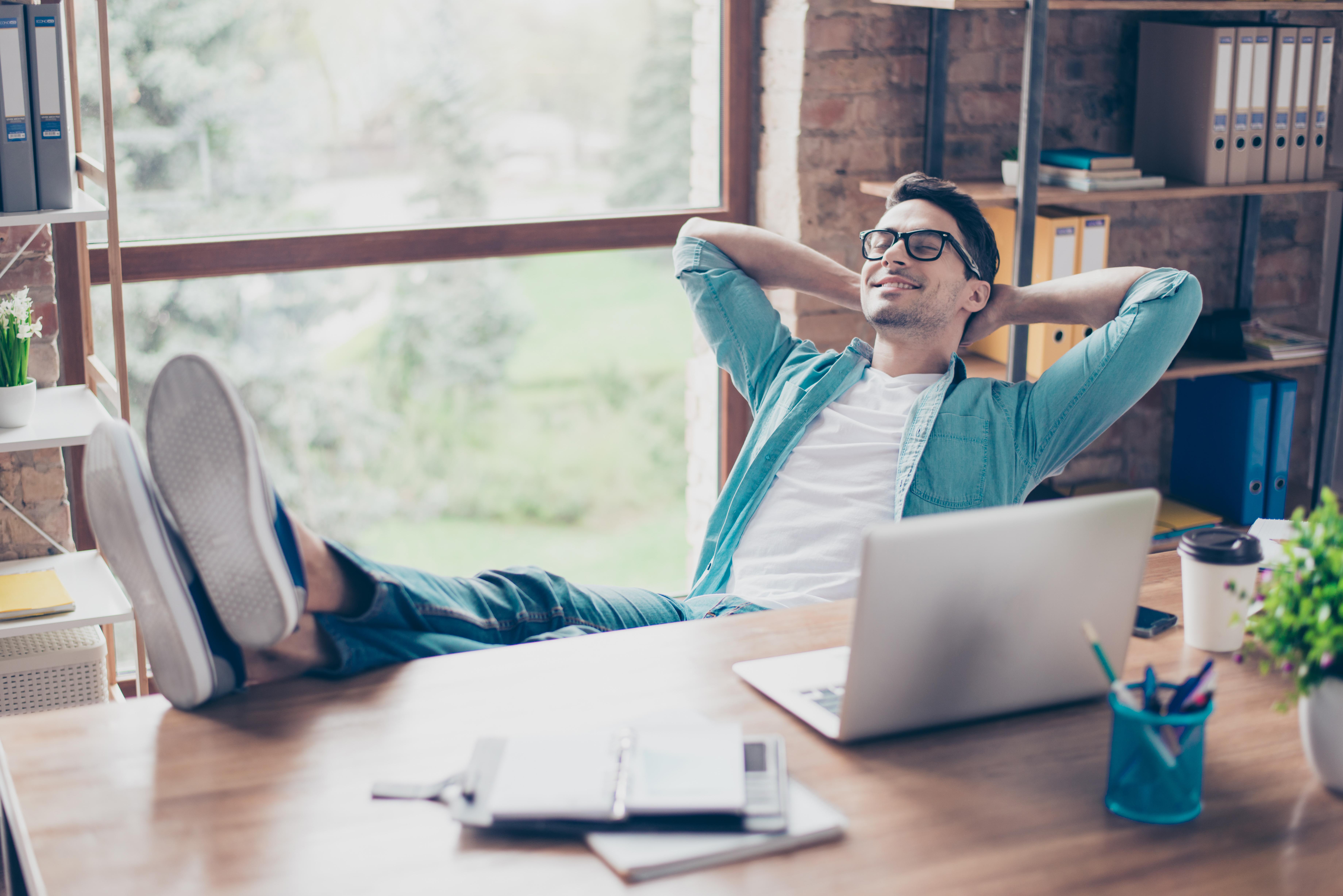 Freelancer i praca zdalna – jakie korzyści?